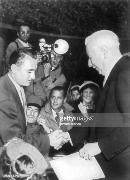 German football player Jupp Posipal receives the Silver Bay Laurel Leaf award by Federal President Theodor Heuss in Berlin Picture is from 1954...