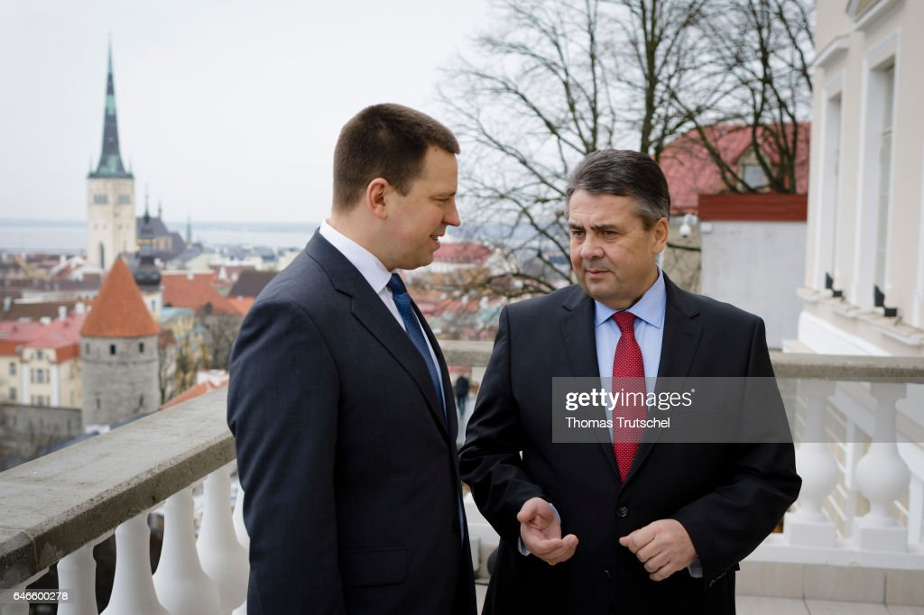 German Foreign Minister Visits Baltic States