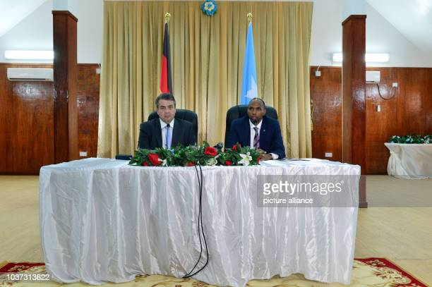 German foreign minister Gabriel at a meeting with the Somalian prime minister Hassan Ali Khairei in Mogadishu Somalia 1 May 2017 Photo Maurizio...