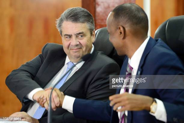 German Foreign Minister Sigmar Gabriel speaking to Prime Minister Hassan Ali Khaire during a press conference in Mogadishu Somalia 01 May 2017 Photo...