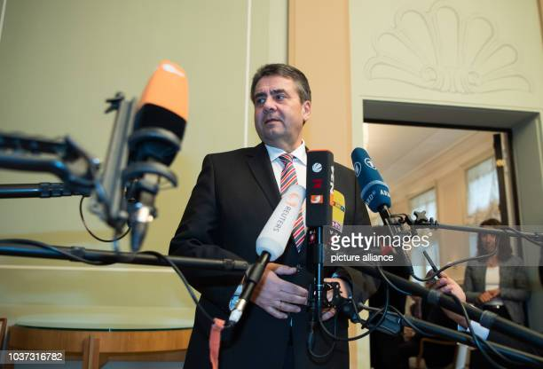 German Foreign Minister Sigmar Gabriel speaks before a meeting for employers of Turkish origin in the Borsig Villa in Berlin, Germany, 20 March 2017....