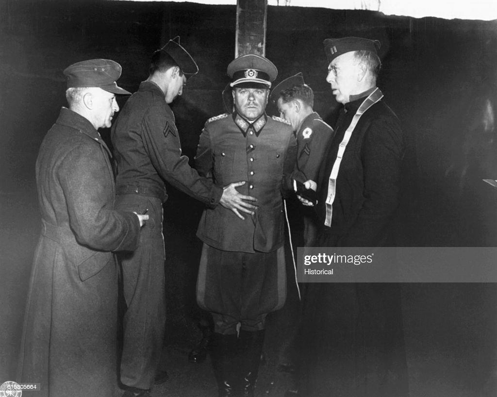 Execution of General Anton Dostler : Fotografía de noticias