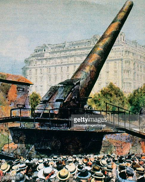 BIG BERTHA M42 German gun used to bombard Paris from over 100 km away in 1918 Its gauge was 210 mm and was 34 m long It was manufactured by Krupp...