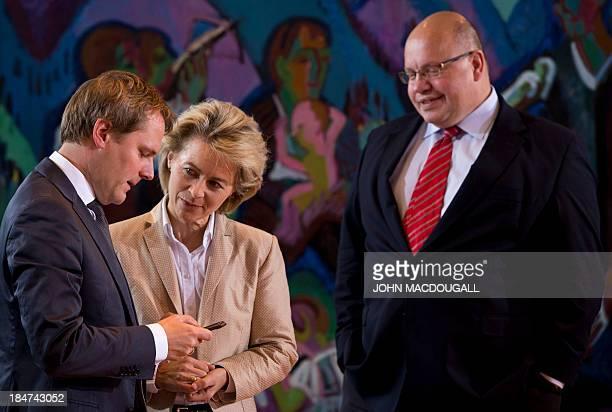 German Health Minister Daniel Bahr German Labour and Social Affairs Minister Ursula von der Leyen German Environment Minister Peter Altmaier chat...