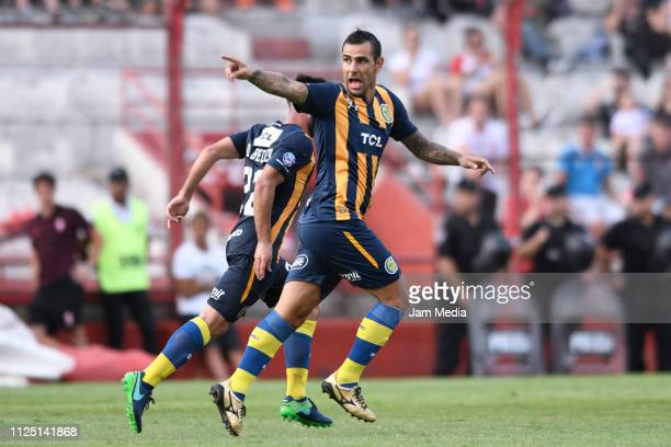 German Herrera of Rosario Central celebrates after scoring the first goal of his team during a match between Huracan and Rosario Central as part of...