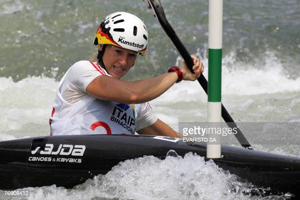 German Jennifer Bongardt paddles during the women's K1 qualifiers of the 2007 Slalom World Championships at the Itaipu Hydroelectric Power Plant Foz...