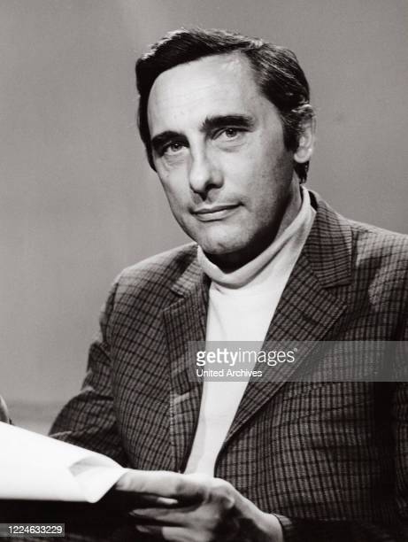 German journalist and TV presenter Reinhard Hoffmeister, Germany, circa 1970. .