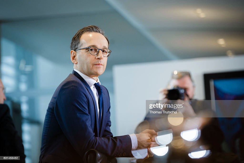 German Justice Minister Heiko Maas arrives for the weekly cabinet meeting at the chancellery (Bundeskanzleramt) on January 11, 2017 in Berlin, Germany.