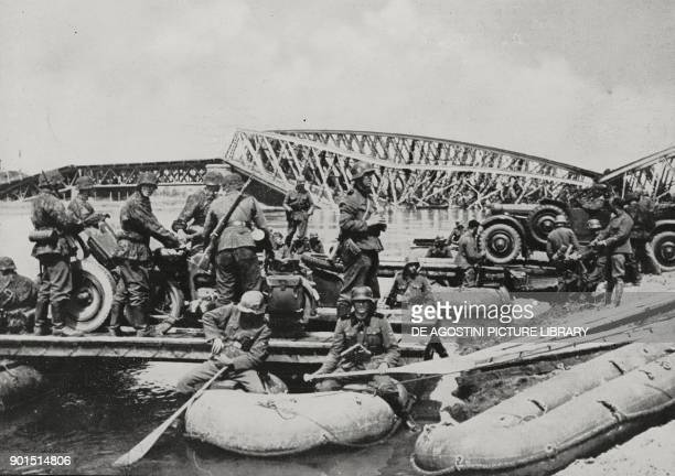 German landing force preparing to cross the Meuse World War II from L'Illustrazione Italiana Year LXVII No 21 May 26 1940