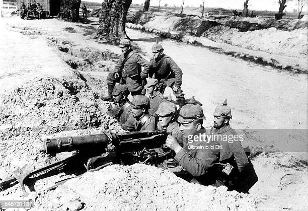 German machine gun position at a roadside in East Flanders