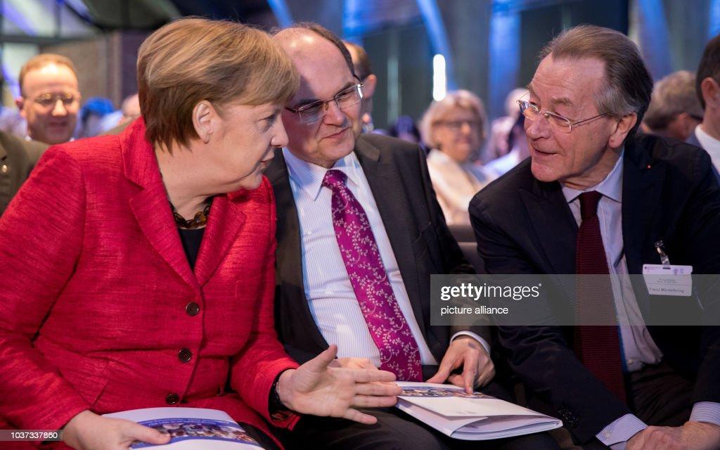 Demographic summit : News Photo