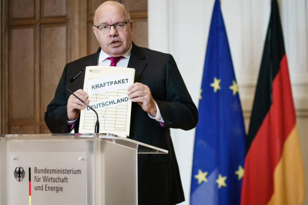 DEU: Economy Minister Altmaier Speaks On Corona Aid Package
