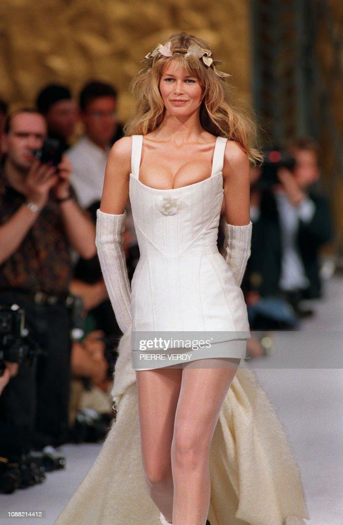 FRANCE-SCHIFFER IN WEDDING DRESS : News Photo