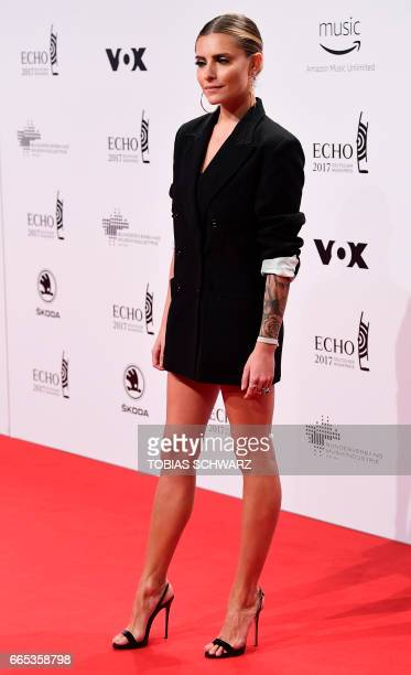 German model Sophia Thomalla arrives for the 2017 Echo Music Awards in Berlin, on April 6, 2017. / AFP PHOTO / Tobias SCHWARZ