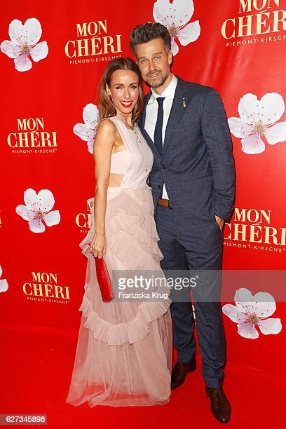 German moderator Annemarie Carpendale and her husband german actor Wayne Carpendale attend the Mon Cheri Barbara Tag at Postpalast on December 2 2016...
