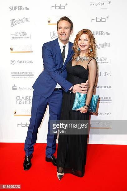 German moderator Peter Imhoff and his wife german moderator Eva Imhoff attend the Goldene Henne on October 28 2016 in Leipzig Germany