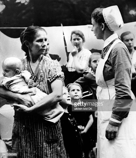 German mothers with their children from Upper Silesia who fled from Polish terror according to Nazi propaganda
