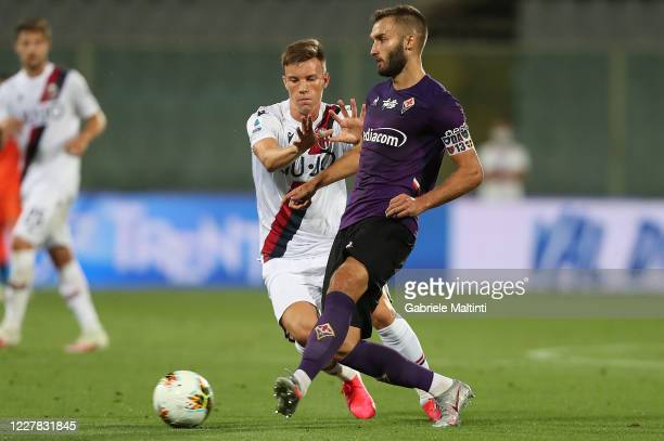 German Pezella of ACF Fiorentina in action during the Serie A match between ACF Fiorentina and Bologna FC at Stadio Artemio Franchi on July 29, 2020...