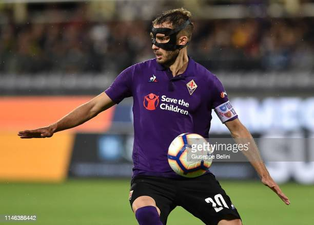 German Pezzella of ACF Fiorentina in action during the Serie A match between ACF Fiorentina and Genoa CFC at Stadio Artemio Franchi on May 26 2019 in...