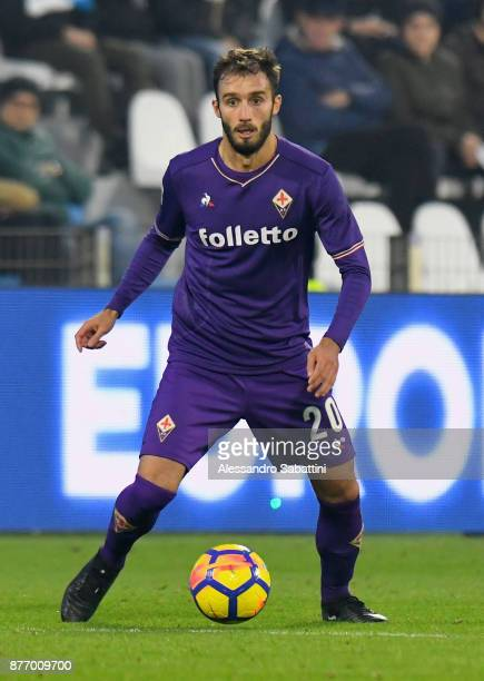 German Pezzella of ACF Fiorentina in action during the Serie A match between Spal and ACF Fiorentina at Stadio Paolo Mazza on November 19 2017 in...