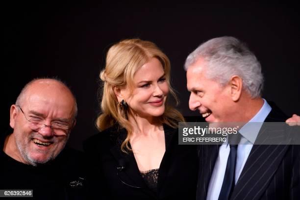 German photographer Peter Lindbergh Australian actress Nicole Kidman and Pirelli chief executive officer Marco Tronchetti Provera pose during the...