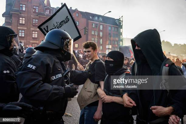 German police clashes against anticapitalist demonstrators during the g20 summit in Hamburg Germany on July 6 2017 German police and protesters...
