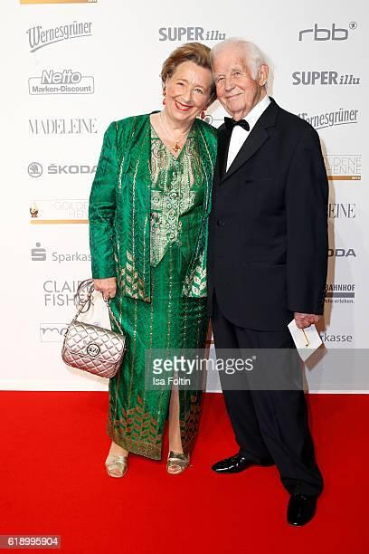 German politician Kurt Biedenkopf and his wife Ingrid Biedenkopf attend the Goldene Henne on October 28, 2016 in Leipzig, Germany.
