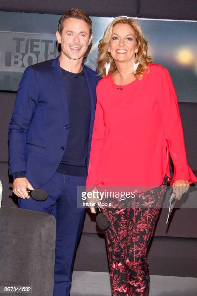 German presenter Alexander Bommes and German presenter Bettina Tietjen during the TV Show 'Tietjen und Bommes' on October 27 2017 in Hanover Germany