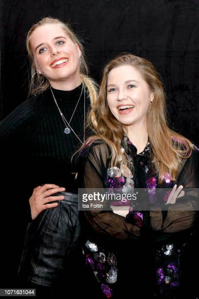 German presenter Hannah Scholz and German actress Marija Mauer during the event 'FechtOlympiasiegerin fliegt mit Daimler Kunstflugass Revanche beim...