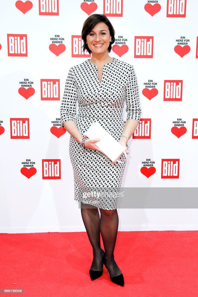 Ein Herz Fuer Kinder Gala 2017 - Red Carpet Arrivals : News Photo