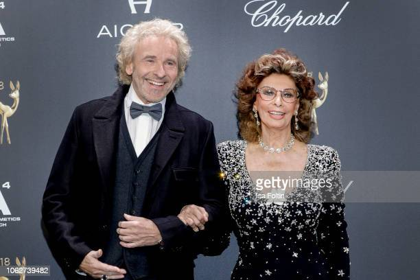 German presenter Thomas Gottschalk and italian actress Sophia Loren attend the 70th Bambi Awards at Stage Theater on November 16 2018 in Berlin...