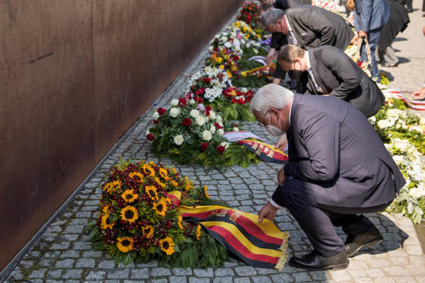 DEU: Berlin Commemorates 60th Anniversary Of Berlin Wall Construction
