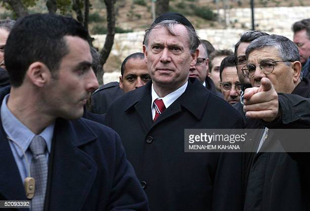 German President Horst Koehler is seen wearing a Jewish scullcap or kipa during a tour of Jerusalem's Yad Vashem Holocaust memorial 01 February 2005...