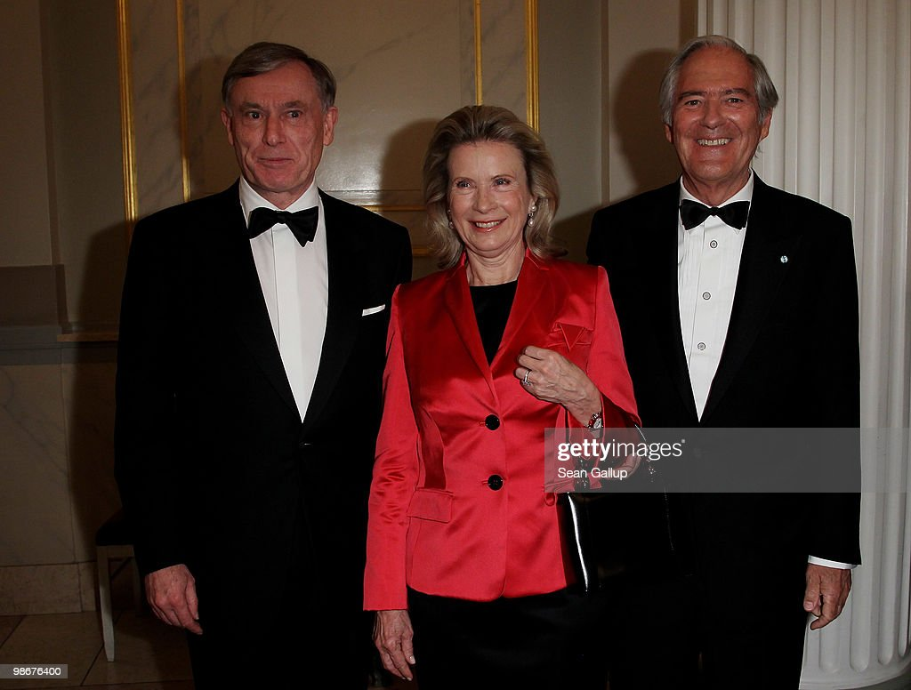 Roland Berger Human Dignity Award Goes To Helmut Kohl