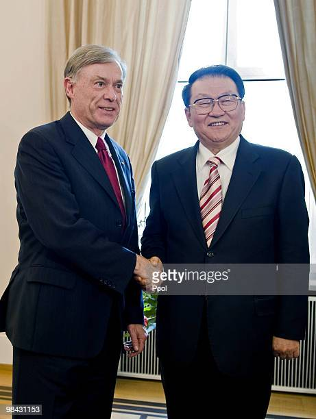German president Horst Koehler welcomes Li Changchun , a standing committee member of Chinese Communist Party's Political Bureau, at Schloss Bellevue...