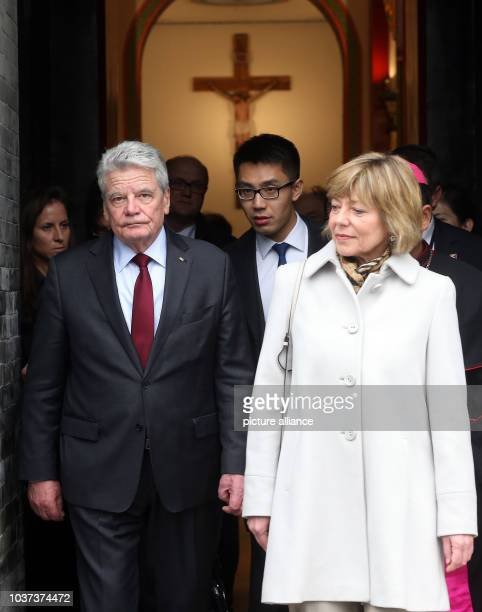 German President Joachim Gauck and his partner Daniela Schadt leaving the Catholic Franz von Assisi Cathedral in Xi`An China 24 March 2016 The German...