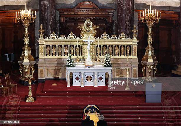 German President Joachim Gauck and Roman Herzog's wife Alexandra Freifrau von Berlichingen pay respect in front of the coffin during the state...