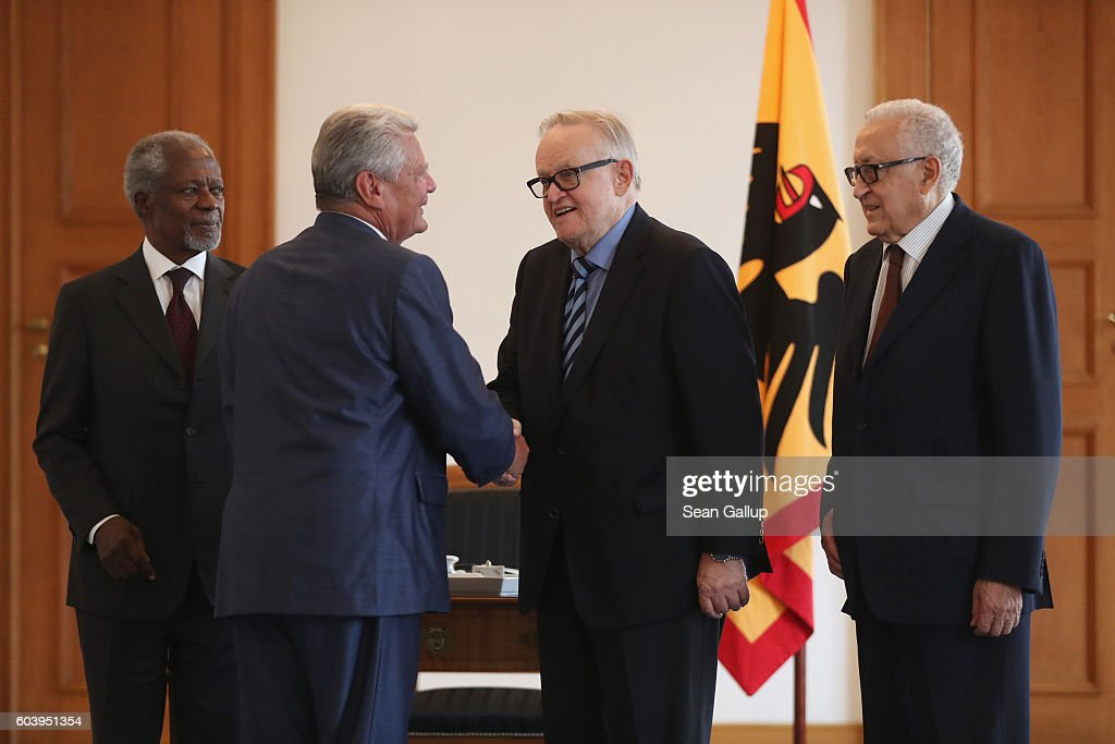 "President Gauck Meets With ""The Elders"""