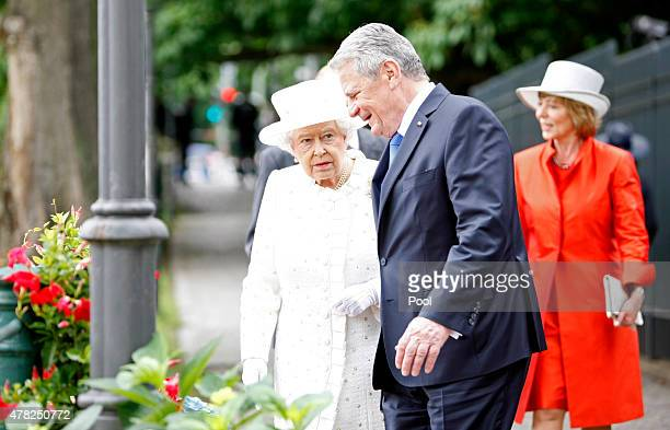 German President Joachim Gauck Queen Elizabeth II Prince Philip Duke of Edinburgh and Daniela Schadt take a boat trip on the River Spree on the...