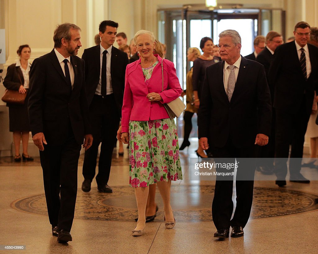 German President Joachim Gauck (R), Queen Margrethe II of Denmark (C), German First Lady Daniela Schadt (unseen) and Hermann Parzinger (L), President of the Prussian Cultural Heritage Foundation arrive at Martin-Gropius-Bau on September 9, 2014 in Berlin, Germany.
