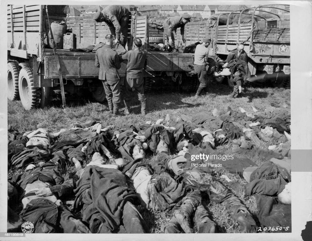 Bodies of German soldiers in Belgium in January 1945 | The