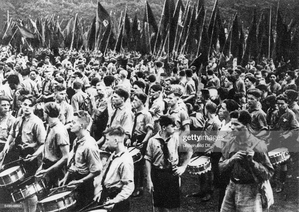 Germany, Republic of Weimar, politics, pol. parties : News Photo