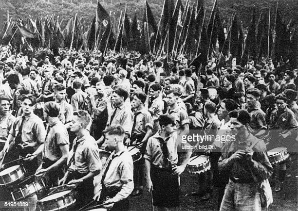 German reich Republic of Weimar politics pol parties social democrtas 6 young workers day in Frankfurt/Main Roll call of SAJ members 1931
