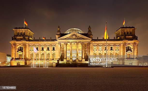 Deutsche Reichstag In Berlin bei Nacht