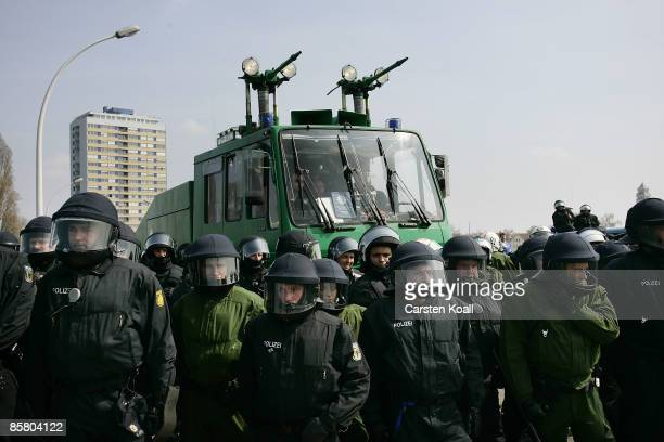 German riot police secure the Europa Bridge during a clashes protesting against the ongoing NATO summit on April 4 2009 in Strasbourg France The...