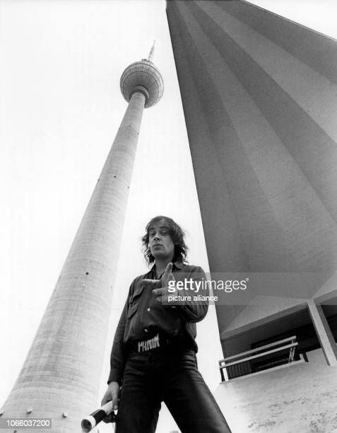 German rock musician Udo Lindenberg travels privately to East Berlin on the 5th of September in 1977 during the International Radio Exhibition in...
