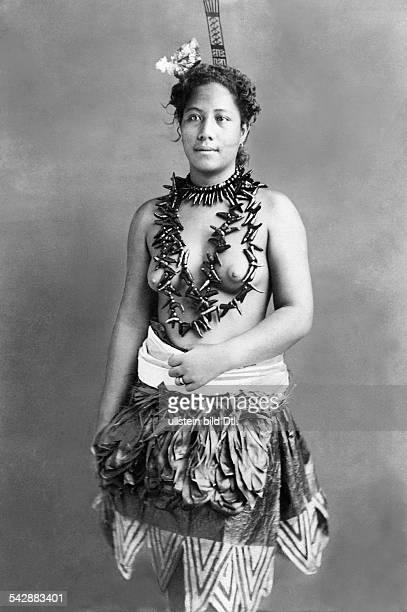 German Samoa German protectorate from 1900 to 1914 beautiful dressed Samoan woman date unknown around 1900