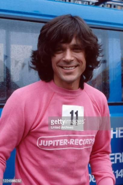 German Schlager singer Juergen Drews at a jogging event, Germany, 1980s.