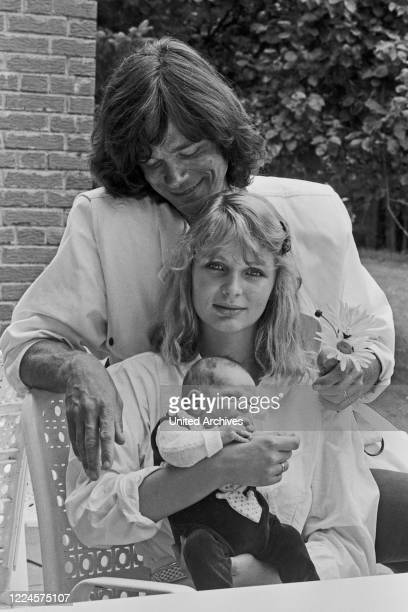 German schlager singer Juergen Drews with wife Corinna and baby Fabian, Germany circa 1981.