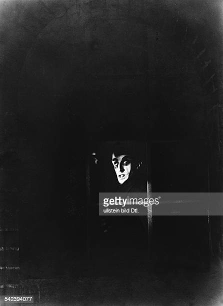 German silent movies in the 1920ies Scene from the movie 'Nosferatu eine Symphonie des Grauens' Directed by Friedrich Wilhelm Murnau Germany 1922...